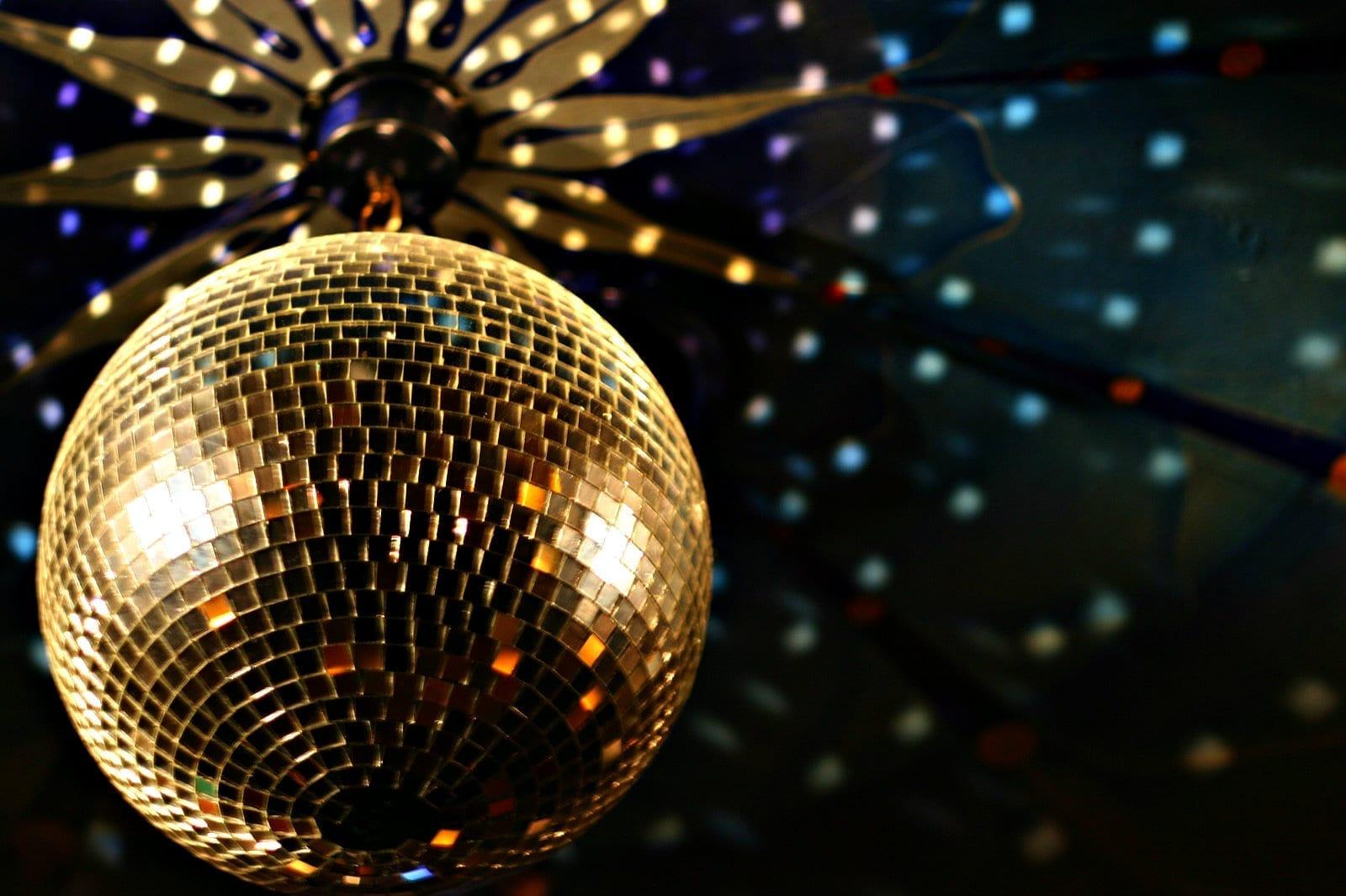 Savor scottsdale 39 s dining and nightlife scottsdale az - Boule a facette ...